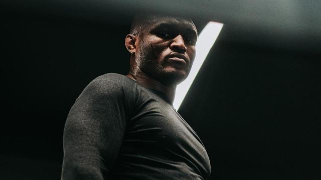 Kamaru Usman Ingin Ikuti Jejak Khabib, Pensiun sebagai Jawara UFC (217921)