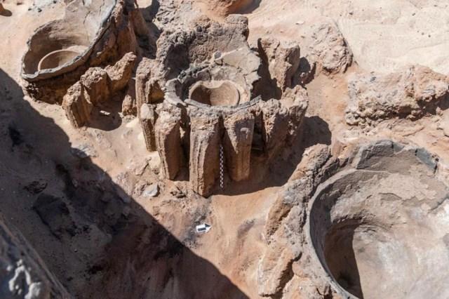 Tersembunyi, Arkeolog di Mesir Temukan Jejak Pabrik Bir Tertua di Dunia (514010)