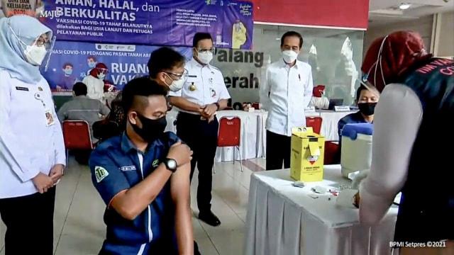 Anies: Jakarta Akan Lakukan Vaksinasi COVID-19 Bertahap di 153 Pasar (106826)