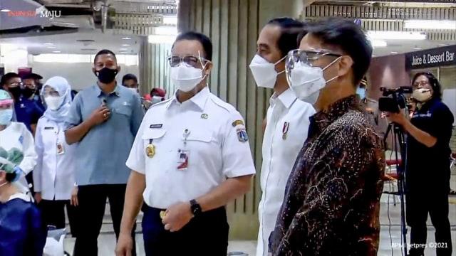 Anies: Jakarta Akan Lakukan Vaksinasi COVID-19 Bertahap di 153 Pasar (106827)