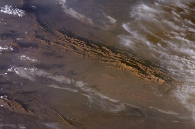 Dasht-e Lut, Tempat Terpanas di Dunia yang Suhunya Mencapai 70 Derajat Celsius (78412)