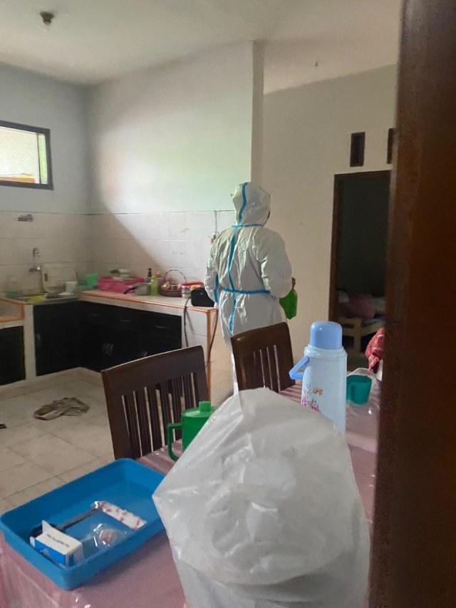Sikat Emas Batangan, Maling di Malang Menyamar Jadi Petugas Disinfeksi (216192)