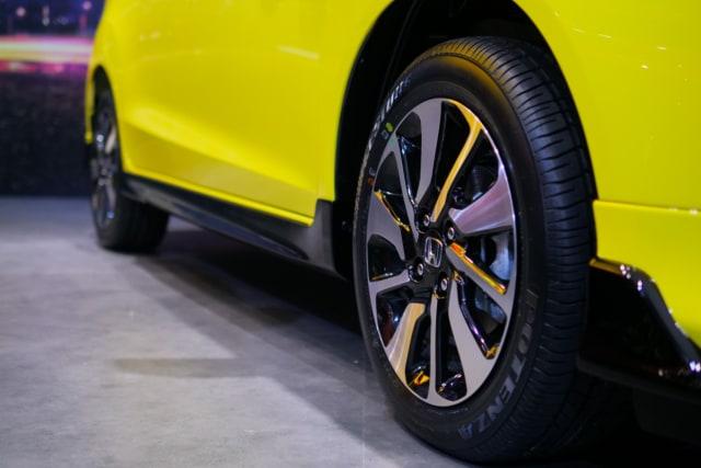 Foto: Perbedaan Honda Brio Urbanite Edition dengan Varian RS (118948)