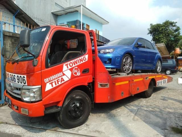 Daftar dan Tarif Towing Mobil yang Kebanjiran di Jakarta (68495)