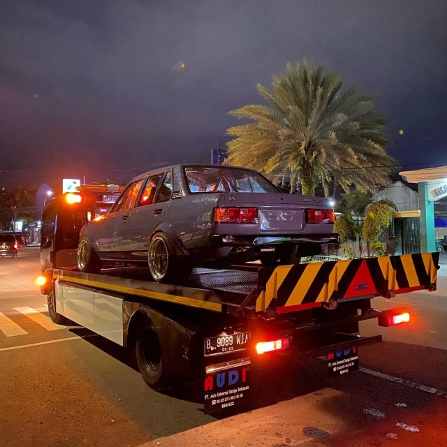 Daftar dan Tarif Towing Mobil yang Kebanjiran di Jakarta (68493)