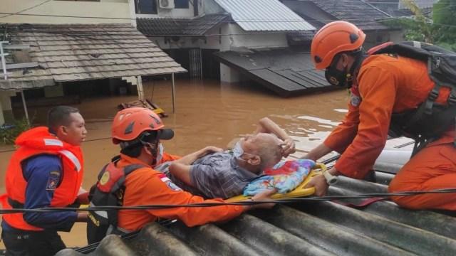 Tanggul Sungai Citarum di Bekasi Jebol, Basarnas Kerahkan Bantuan  (80091)