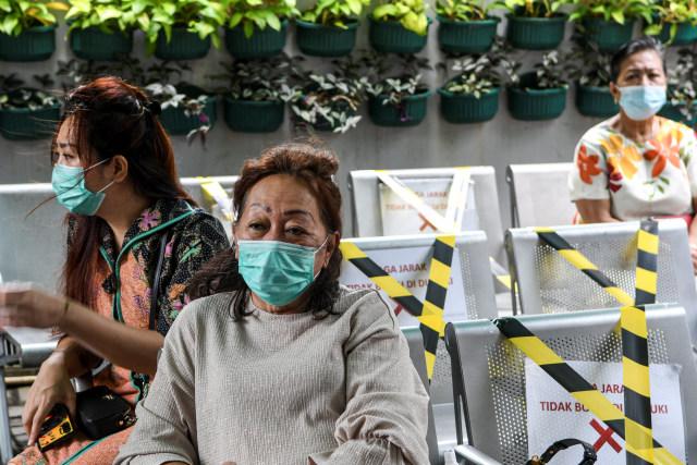 Ridwan Kamil: Lansia di Bodebek dan Bandung Raya Didahulukan Vaksinasi Corona (40078)