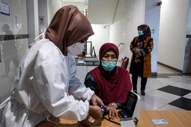 Kemenkes: Vaksinasi Lansia Bisa Door to Door karena Rentan Tertular Corona (94573)