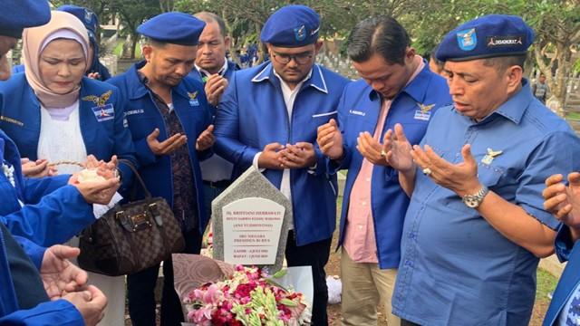 Dukung AHY, Kader Demokrat Riau: Kami Siap Bubuhkan Cap Darah  (91252)