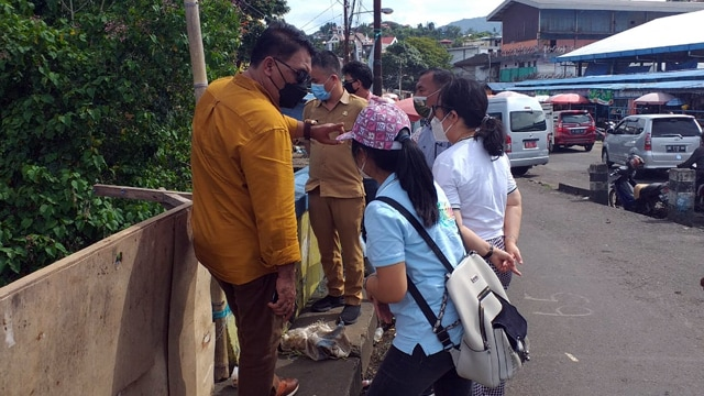 Komisi III DPRD Manado Rutin Gelar Kunjungan Wilayah Terdampak Banjir (75915)
