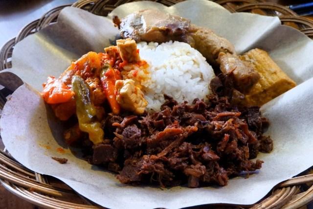 Kuliner Jogja La Rise, Menawarkan Kuliner dengan Suasana Keraton Yogyakarta (2)