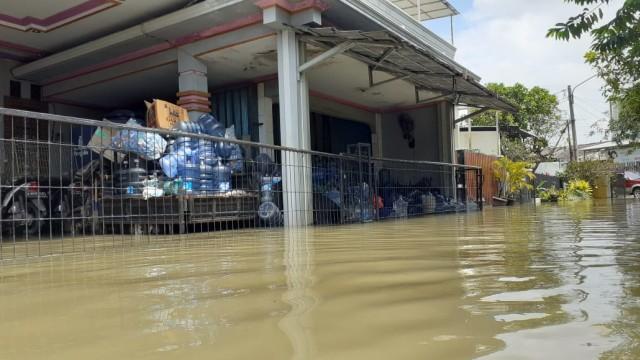 Korban Banjir di Pasar Kemis, Tangerang, Mulai Terserang Penyakit (41176)