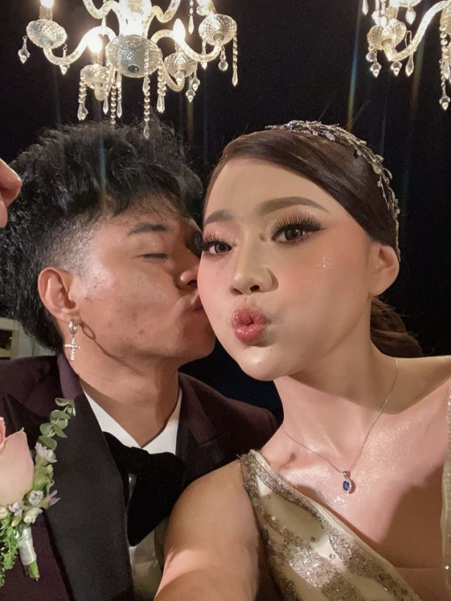 Reza Arap dan Wendy Walters Gelar Resepsi Pernikahan di Bali (767292)