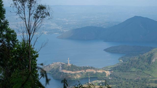 Sandiaga Harap Adian Nalambok Bisa Jadi Alternatif Wisata Pilihan di Danau Toba (277184)