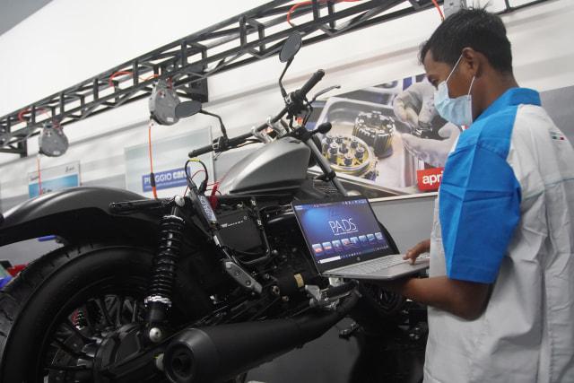 Mengintip Suasana Dealer Premium Piaggio Motoplex di Jakarta Selatan (70606)