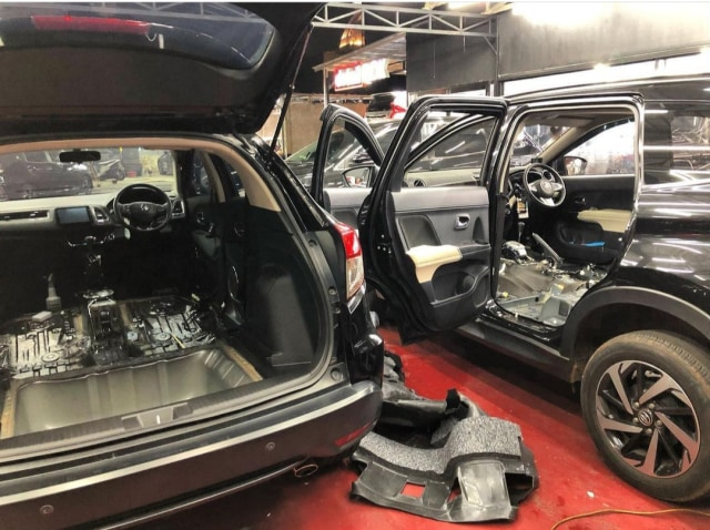 Berita Menarik: Biaya Bersihkan Interior Mobil; Diler Premium Piaggio (60128)