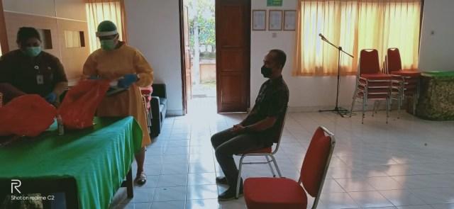 Satu Staf BKD Kembalikan Uang Rp 500 Ribu Dana Korupsi PEN Buleleng, Bali (143475)