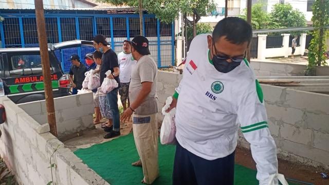 Fakta-fakta Relawan FPI Dibubarkan Polisi saat Bantu Korban Banjir (34869)