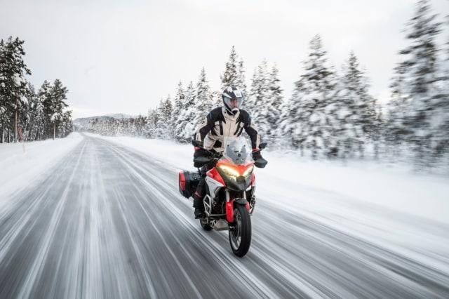 Perjalanan Epik Ducati Multistrada V4 Taklukkan Lingkaran Arktik Kutub Utara (50127)