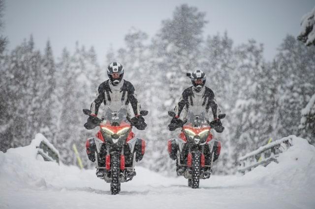 Perjalanan Epik Ducati Multistrada V4 Taklukkan Lingkaran Arktik Kutub Utara (50125)