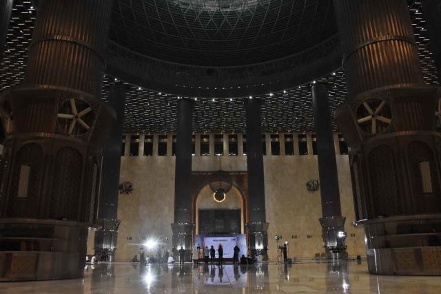 Masjid Istiqlal Kembali Dibuka, Jemaah Maksimal 2.000 Orang (281099)