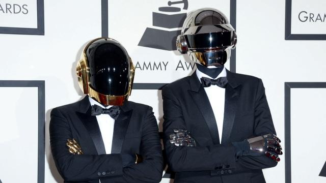 Daft Punk Bubar, Penggemar Musik Bersedih (51874)