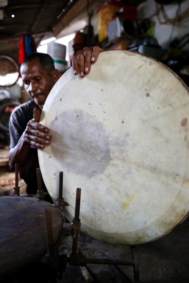 Kisah Fajar Pengrajin Rapai, Menjaga 'Roh' Kesenian Aceh (30287)