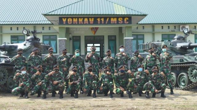 Kunjungi Yonkav Aceh Utara, Danrem Baskoro: Jaga Kesehatan, Rawat Alutsista (120206)