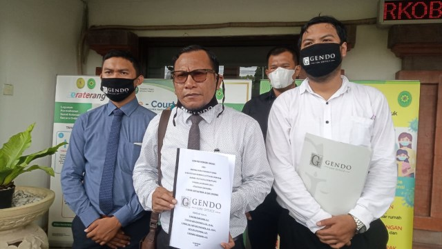 Serahkan Kontra Memori, Pengacara Jerinx Harapkan Kasasi Jaksa Ditolak (24599)