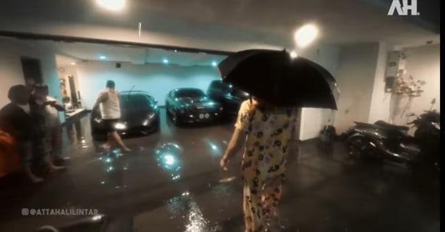 5 Potret Rumah Baru Atta Halilintar Kebanjiran, Koleksi Mobil Mewahnya Terancam (34538)