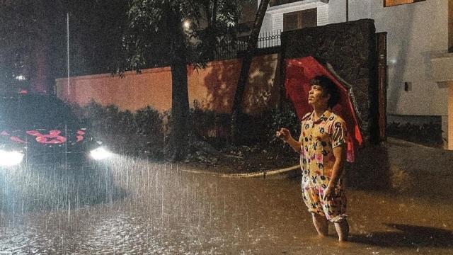 5 Potret Rumah Baru Atta Halilintar Kebanjiran, Koleksi Mobil Mewahnya Terancam (34535)