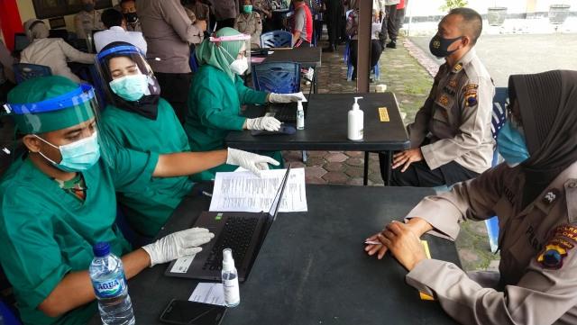 Polisi Blora Dapat Vaksin Corona (32514)