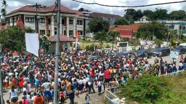 Jimly Asshiddiqie: Laporkan Jokowi Jangan ke Bareskrim, tapi ke DPR, MK, MPR (1)