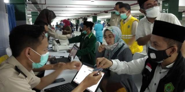 Ribuan Tokoh Agama Ikuti Vaksinasi COVID-19 di Basement Masjid Istiqlal (33263)