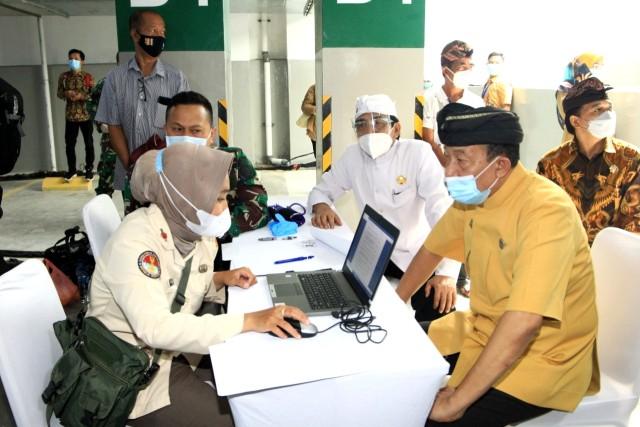 Ribuan Tokoh Agama Ikuti Vaksinasi COVID-19 di Basement Masjid Istiqlal (33264)