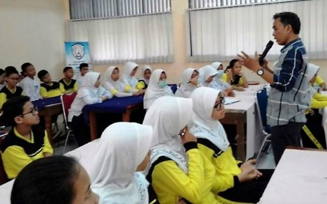 Indonesia Darurat Guru, Kok Bisa? (24531)