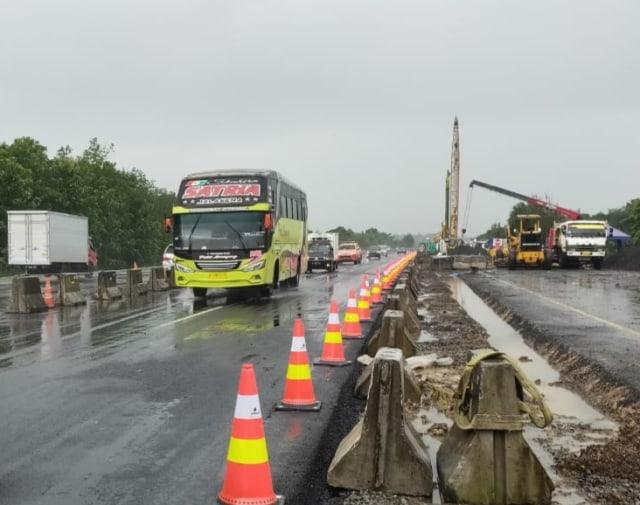 Jalur Darurat di KM 122 Tol Cipali Selesai Dibangun, Arus Kendaraan Normal Lagi (31603)