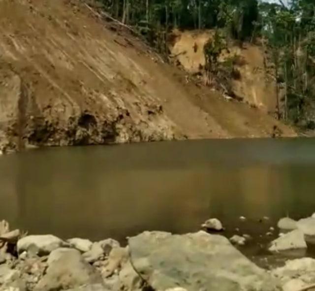 Muncul Kubangan Air Sedalam 10 Meter Usai Gempa di Majene, Warga Khawatir (278710)