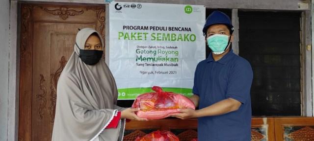 Bencana Longsor Nganjuk, Inisiatif Zakat Indonesia Salurkan Paket Sembako  (61344)