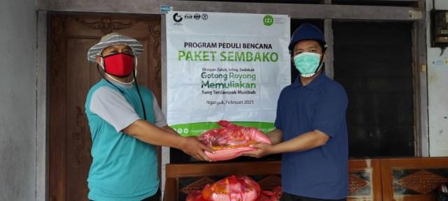 Bencana Longsor Nganjuk, Inisiatif Zakat Indonesia Salurkan Paket Sembako  (255555)