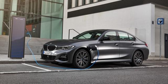 Mobil Plug-in Hybrid BMW 330e Meluncur Tahun Ini? (257815)