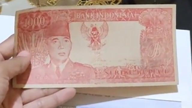 Uang 1000 Rupiah Jadul Bergambar Soekarno Ditawar Hingga Rp400 Juta Kumparan Com