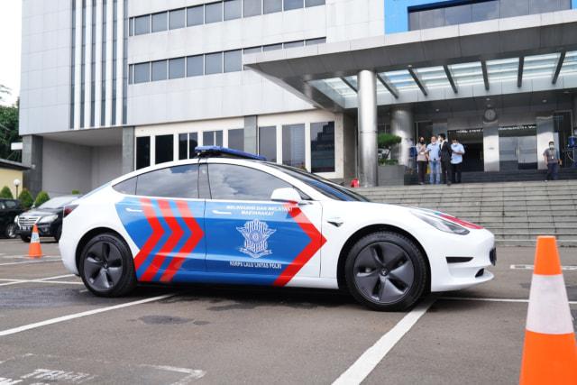 Tesla Model 3 buat Mobil Patroli Polisi Indonesia, Seberapa Kencang? (62267)