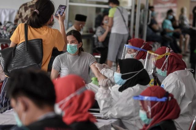 Pemerintah Diminta Awasi Vaksin Mandiri Agar Tak Dibisniskan Keluar Perusahaan (120066)