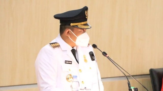 Pidato Perdana di DPRD Medan, Bobby Janji Infrastruktur Selesai dalam 2 Tahun (495423)