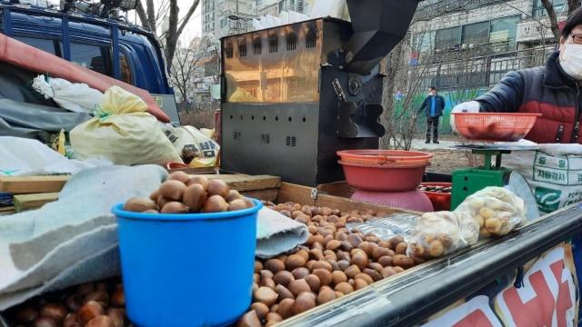 Kenali Lima Kuliner Kaki Lima Favorit Warga Korea Selatan saat Musim Dingin (479322)