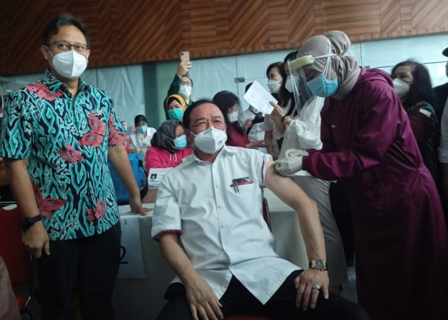 Vaksinasi Tahap Kedua pada 38 Juta Orang Ditargetkan Tuntas Akhir Juni 2021 (97743)