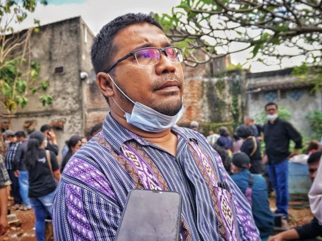 Tinggalkan 3 Orang Anak, Warga Lampung Korban Penembakan Oknum Polisi Dimakamkan (357662)