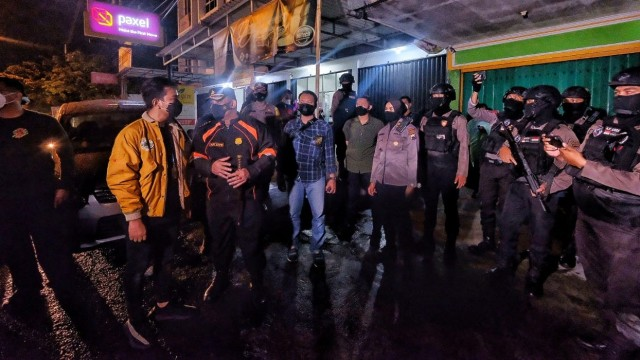 Foto: Momen Gibran Blusukan Ikut Razia PSK Solo di Malam Minggu (142847)