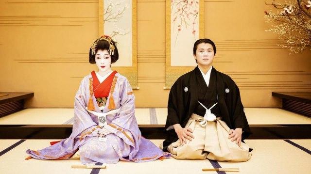 Potret Syahrini Dandan Ala Geisha untuk Rayakan Ultah Pernikahan ke-2 (94140)